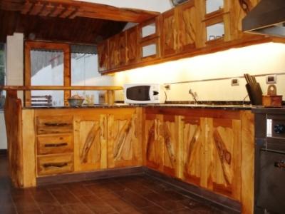 Enrique ramirez muebles rusticos mar del plata camusso 40 for Muebles cocina rusticos