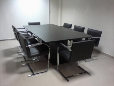 Equipamiento de oficinas diferentes tipos de mesas para for Mesas para oficinas modernas
